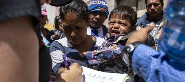 usa-le-urla-dei-bambini-immigrati-dal-messico-allontanati-dai-genitori