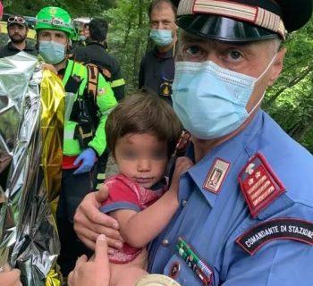ritrovato-il-piccolo-nicola-il-bimbo-di-due-anni-era-scomparso-dalla-sua-casa-tra-i-boschi