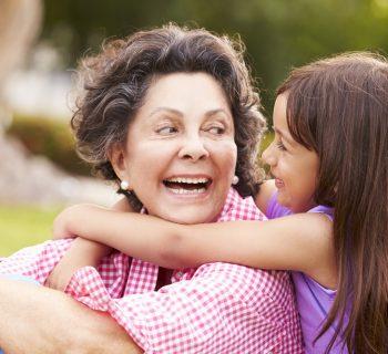 nonna-materna-secondo-la-scienza-un-ruolo-privilegiato
