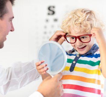 occhi-dei-bambini-i-5-disturbi-alla-vista-piu-comunui