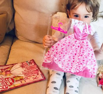 ritornare-bambina-grazie-a-barbie-gioca-con-la-moda