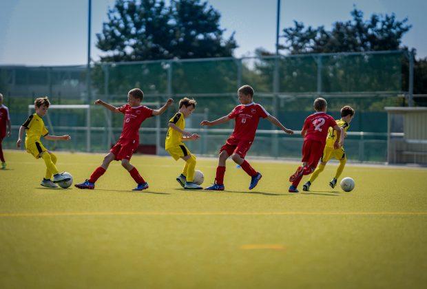 i-bambini-che-fanno-sport-sono-piu-felici-lo-studio