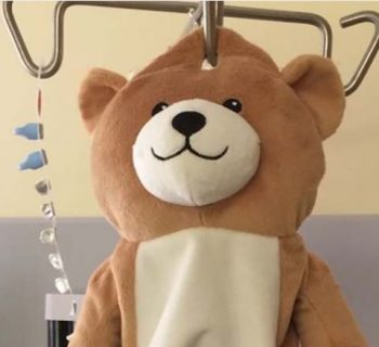 orsacchiotti-sulle-flebo:-gli-ospedali-faranno-meno-paura