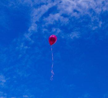 il-san-valentino-di-giulia-invia-in-cielo-un-palloncino-al-suo-papa