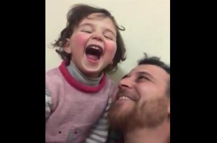 il-suono-delle-bombe-nel-gioco-del-papa-siriano