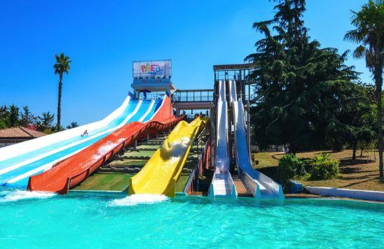 pareo-park:-70-bambini-passano-dalla-piscina-al-pronto-soccorso