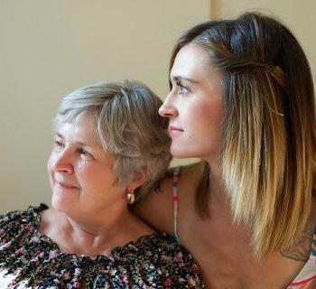 parlare-al-telefono-con-la-mamma-combatte-la-tristezza-lo-rivela-uno-studio-americano