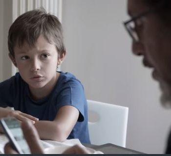 posalosmartphone-la-campagna-lanciata-da-pepita-onlus-per-migliorare-i-rapporti-genitori-figli