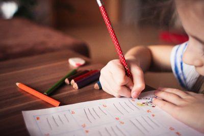 saper-leggere-prima-della-scuola-primaria-un-bene-o-un-male