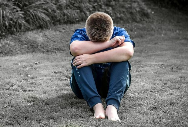 bullismo-bimbo-di-9-anni-suicida-perche-gay