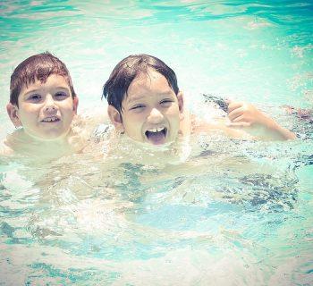 salerno-bimbo-salvato-dallannegamento-leroe-della-piscina-e-un-ragazzino-di-10-anni