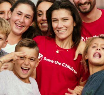 elisa-testimonial-di-save-the-children-una-canzone-per-bambini-in-difficolta