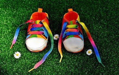 allacciarsi-le-scarpe-metodo-montessori