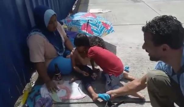 la-lezione-di-generosita-a-9-anni:-dona-le-scarpe-a-un-bimbo-in-strada