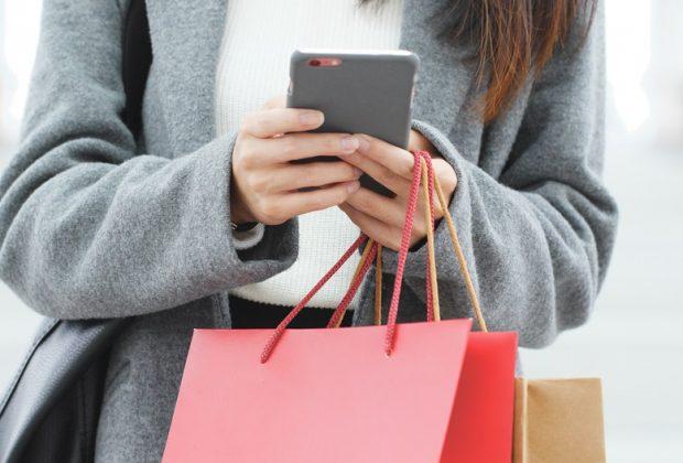 shopping-compulsivo-arriva-il-braccialetto-che-da-la-scossa-se-si-spende-troppo
