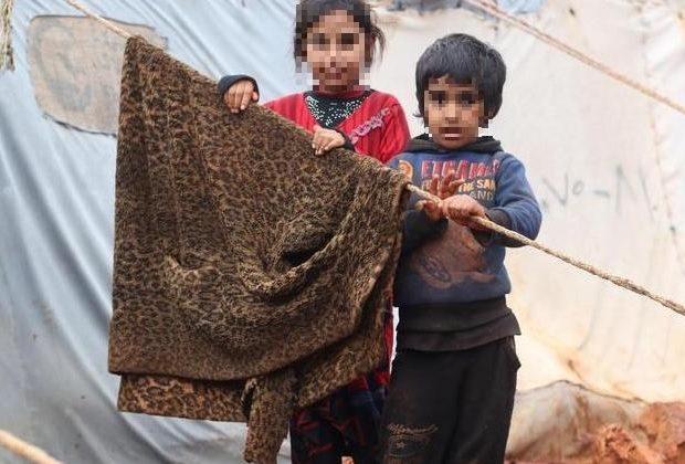siria-i-bambini-tornano-nelle-case-distrutte-dalla-guerra-per-paura-del-coronavirus