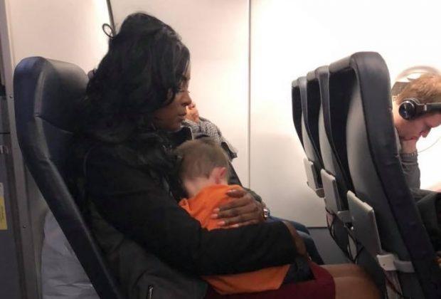 il-post-della-mamma-che-viaggia-da-sola-con-i-due-figli-tre-atti-di-gentilezza-in-aeroporto