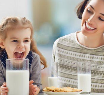 sovrappeso-e-obesita-infantile-il-latte-intero-e-la-cura