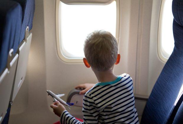supplemento-di-volo-per-una-bambola,-la-denuncia-di-una-mamma-il-figlio-autistico-resta-a-terra