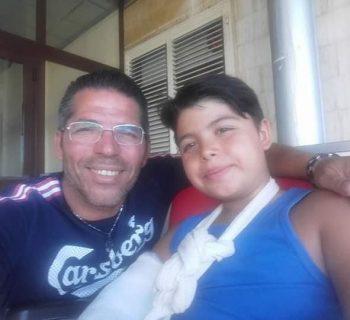 il-coro-dei-bambini-per-incoraggiare-il-compagno-malato-di-tumore