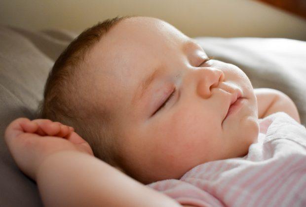 sonno-dei-bambini-montessori-consigli-non-richiesti