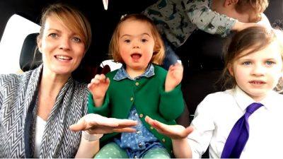 sindrome-di-down-il-toccante-video-delle-mamme-con-i-loro-bimbi