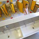 vietato-andare-in-bagno-dopo-la-ricreazione-le-rigide-regole-degli-alunni-di-Prato